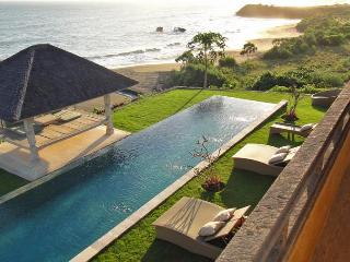 Breath-Taking views, Beachfront Luxury 6BR villa - Tabanan vacation rentals