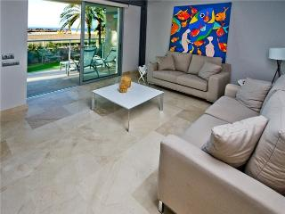 Luxury Beach Apartment Nr 4 - Maspalomas vacation rentals