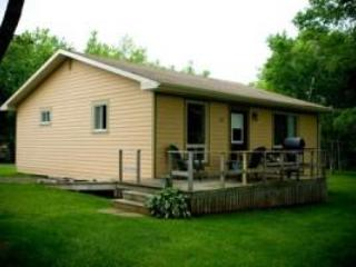 Cavendish Maples Two-Bedroom Deluxe Cottage in PEI - Cavendish vacation rentals