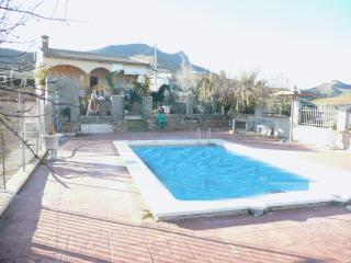 Villa for 6 with private pool, bbq and lake views - Ardales vacation rentals