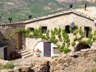 Farmhouse in a stunning location, Tremp, Lleida - Tremp vacation rentals