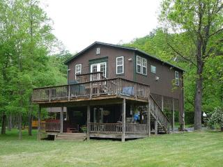 Bear Valley River cabin on the Shenandoah River - Shenandoah Valley vacation rentals