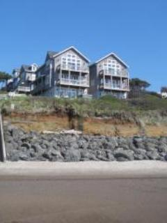 Luxury Waterfront in Bella Beach, King Bed, Hot Tub - Image 1 - Lincoln Beach - rentals