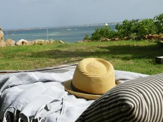 """SEA VIEW  """"Seaside Suite"""" FACE TO PINEL ISLAND - Orient Bay vacation rentals"""