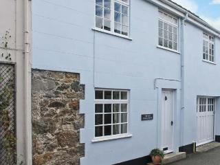 THE OLD COACH HOUSE, three bedrooms, summer room, enclosed patio, walking distance to beach in Beaumaris, Ref 17722 - Beaumaris vacation rentals