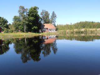 Lakeside Villa beautifully situated Uppland Sweden - Uppland vacation rentals