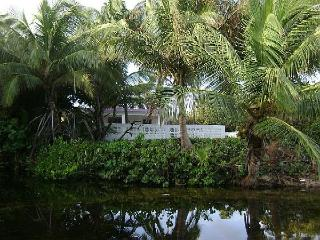 Casa de Playa: nature-lovers cottage on the beach - Vieques vacation rentals