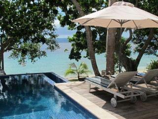 Grand Villa, beachfront luxury at Dreamcove 17 - Port Vila vacation rentals