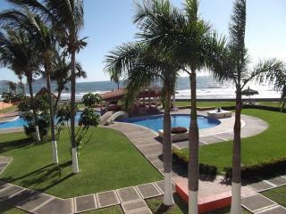Outstanding Oceanfront Townhouse   4 B 3.5 BA - Mazatlan vacation rentals