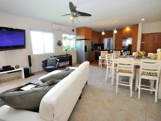 Amazing one bedroom one Block from 5th Ave - HSJB4 - Playa del Carmen vacation rentals
