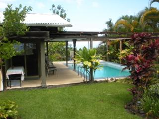 Kona Coffee Farm Cottage - Kona Coast vacation rentals