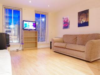LONDON EYE FLAT1 BIGWHEEL in SouthBank 2bed1bath + CarPark option - London vacation rentals