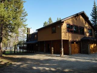 Boulder Creek Lake House- Fun, Gorgeous, Roomy - Donnelly vacation rentals