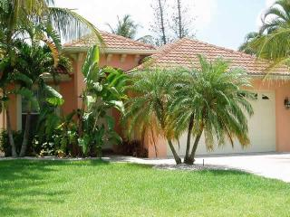 Tuscan Home - Walk to Beach - Private Pool and Spa - Naples vacation rentals