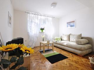 Appartment Radolovic A1, romantic with pool&garden - Pula vacation rentals