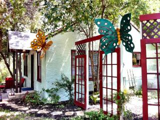 Butterfly Bungalow, Walk Everywhere! so/co - Austin vacation rentals