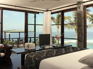 CLIFF FRONT BALI VILLA 5* LUXURY ALL INCLUSIVE @@ - Nusa Dua Peninsula vacation rentals