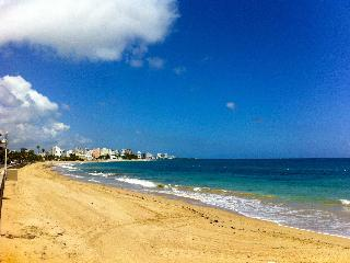 3 Bedroom 3 Bath apartment, minutes walk 2 beach - San Juan vacation rentals