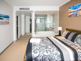 Sandcastle 607 Beachside Apartment. Foxtel & Wifi. - Port Macquarie vacation rentals