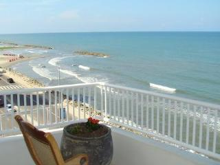Cartagena, Beautiful Condo with a spectacular view of the ocean - Cartagena District vacation rentals