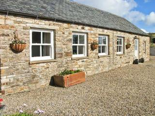 THE BYRE close to the North Pennines, ideal for walkers, with a shared garden, near Wolsingham Ref 17537 - Wolsingham vacation rentals