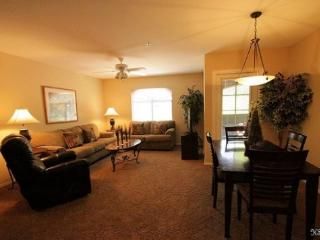 Two Bedroom, Two Bath Condo with Mountain Views at Veranda in Ventana Canyon. - Tucson vacation rentals