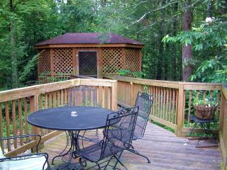Evergreen - 3 Br 2 Ba near downtown Gatlinburg - Pigeon Forge vacation rentals