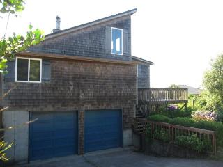 3 Bedroom, 2 bath in Cape Meares with a Hot Tub! - Oceanside vacation rentals