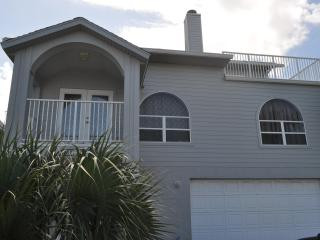 Fall Specials 800 wkly Pool home  4222 - Daytona Beach vacation rentals