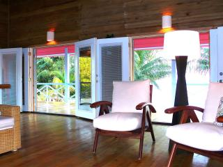 The Coral House On Treasure Beach, Utila - Utila vacation rentals
