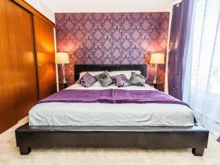 Upscale apartment in Old Montreal, great location - Montreal vacation rentals