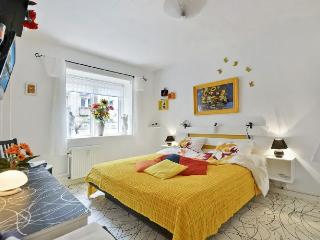 Cosy Copenhagen apartment close to Lergravsparken metro - Copenhagen vacation rentals