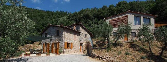 There are two houses: Casa and Fienile Boschi - 2 Farmhouses 5 bedrooms in Countryside near Lucca with Pool - Valdottavo - rentals
