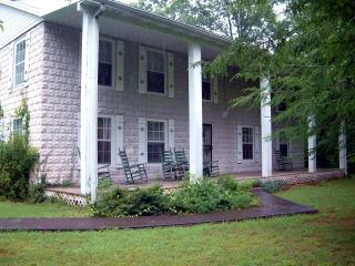 Laurel Hill Manor   8 Br sleeps 24 near Gatlinburg - Pigeon Forge vacation rentals