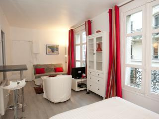 Apartment for 2 people in the Latin Quarter - 11th Arrondissement Popincourt vacation rentals