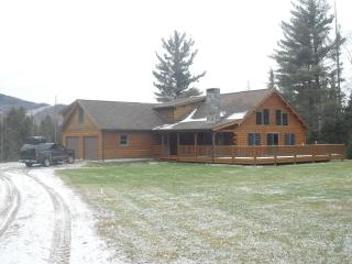 BEAUTIFUL LOG HOME RETREAT - Easton vacation rentals