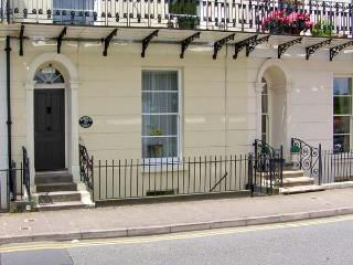 TERRACED GARDENS, wonderful sea views, shared garden nearby with access to beach, in Tenby Ref 16809 - Tenby vacation rentals