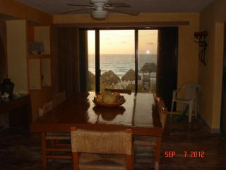 Spectacular Mexican Villa with Stunning view to the Ocean.............. - Cancun vacation rentals