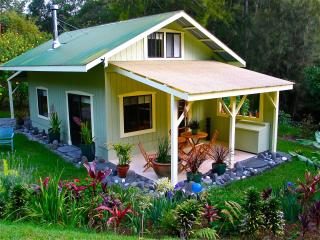 Mele Manu cottage: Private one bedroom in Hamakua - Big Island Hawaii vacation rentals