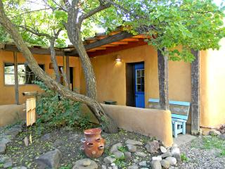 Alfred's Cabin / Casita - New Mexico vacation rentals