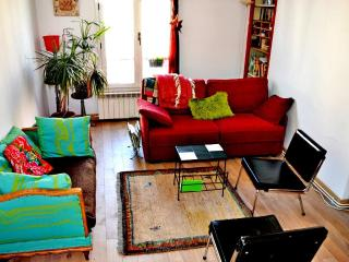 Bright, quiet artist studio Paris19 - Paris vacation rentals