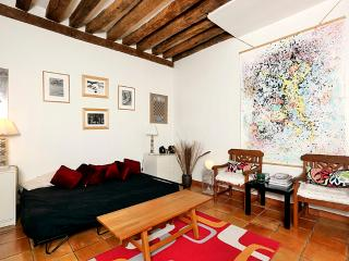 Decorated with love 1 BR Montorg-P2 - Paris vacation rentals