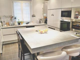 Fully renovated family size 3BR-P17 - Paris vacation rentals