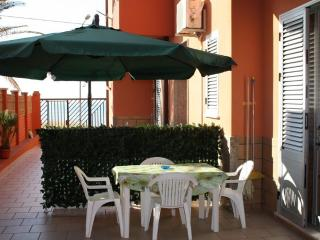 GB CASEVACANZE SICILIA - NEAR THE BEACH -WIFI FREE - Balestrate vacation rentals