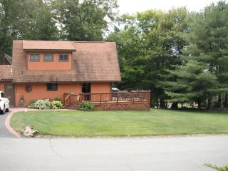 4 STAR community LAke view house with sauna - Poconos vacation rentals