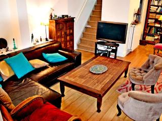 Unique 5 BR townhouse for 8/9 - P13 - Paris vacation rentals