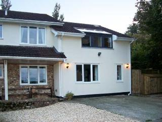 LITTLE GREENHAYES, cottage annexe, with off road parking, and a patio garden, in Ham, Ref 18520 - Devon vacation rentals