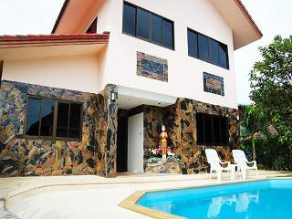 3 Bedroom SUPER VILLA w/ private pool and jacuzzi - Cherngtalay vacation rentals