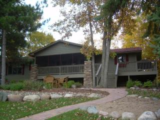 Cozy 4 Bedroom Lake House on the Whitefish Chain - Minnesota vacation rentals