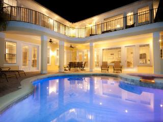 Luxury 6 bed villa - amazing games room and pool. - Reunion vacation rentals